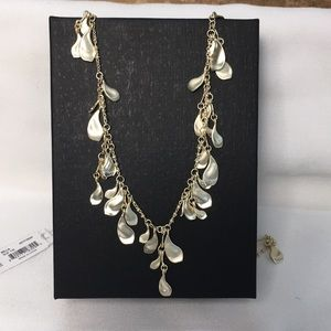 NWT KENDRA SCOTT Bella Long Necklace